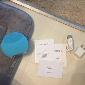 Foreo Luna for sensitive skin cleansing tool.